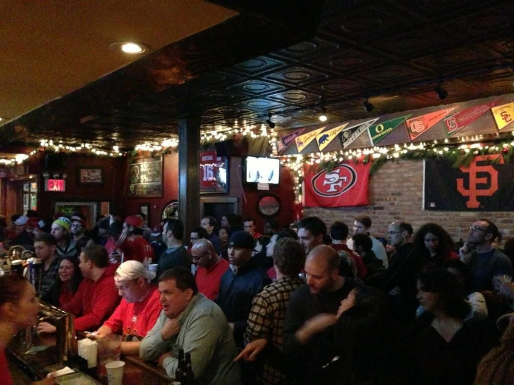 NYC's 10 Best Bars and Restaurants To Watch The Super Bowl, 2011 Edition