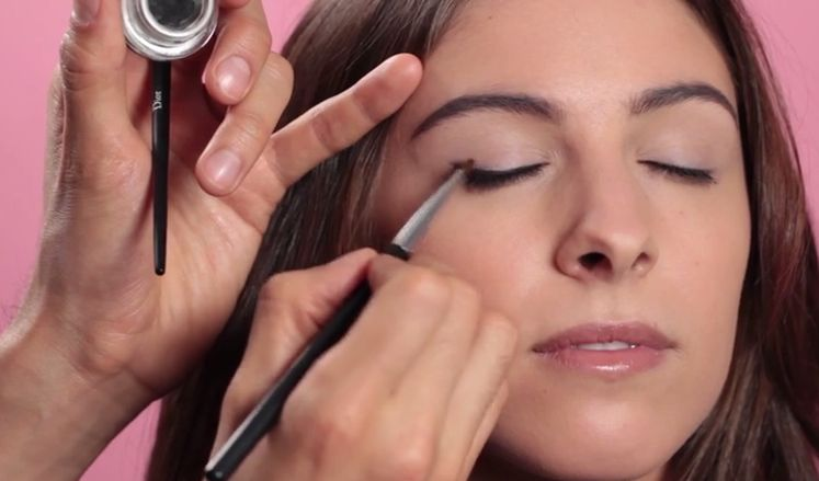 The Best Eyeliner Tricks To Enhance Your Eye Shape