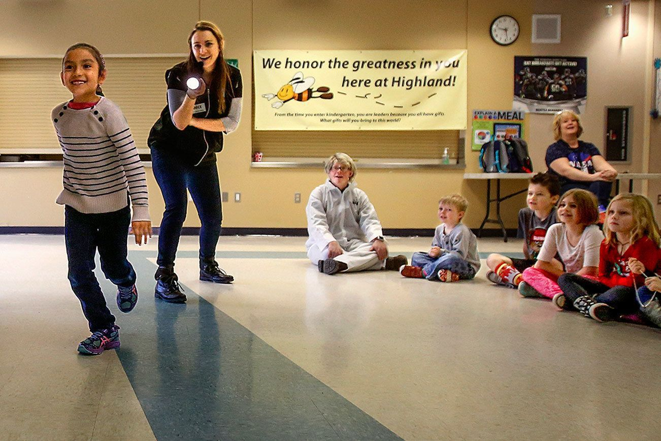 Science center brings astronomy to Lake Stevens school