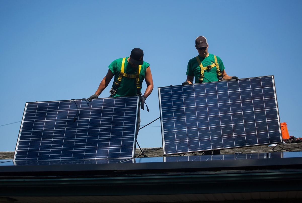 U.S. solar industry clamors for workers as jobs climb by 25 percent