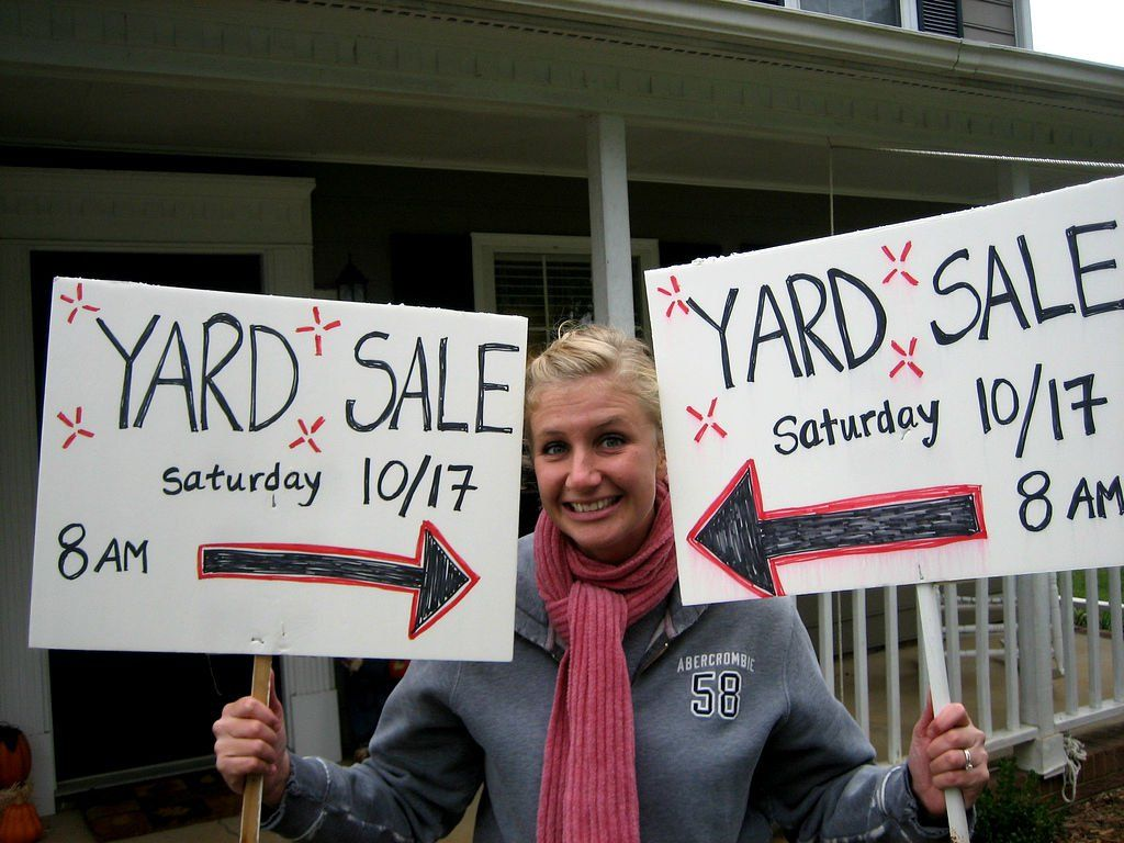 How To Make Creative Yard Sale Signs That Attract Attention & Really Work!