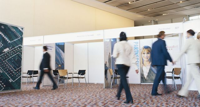 Don't Miss These 4 Types of Essential Tradeshow Signage