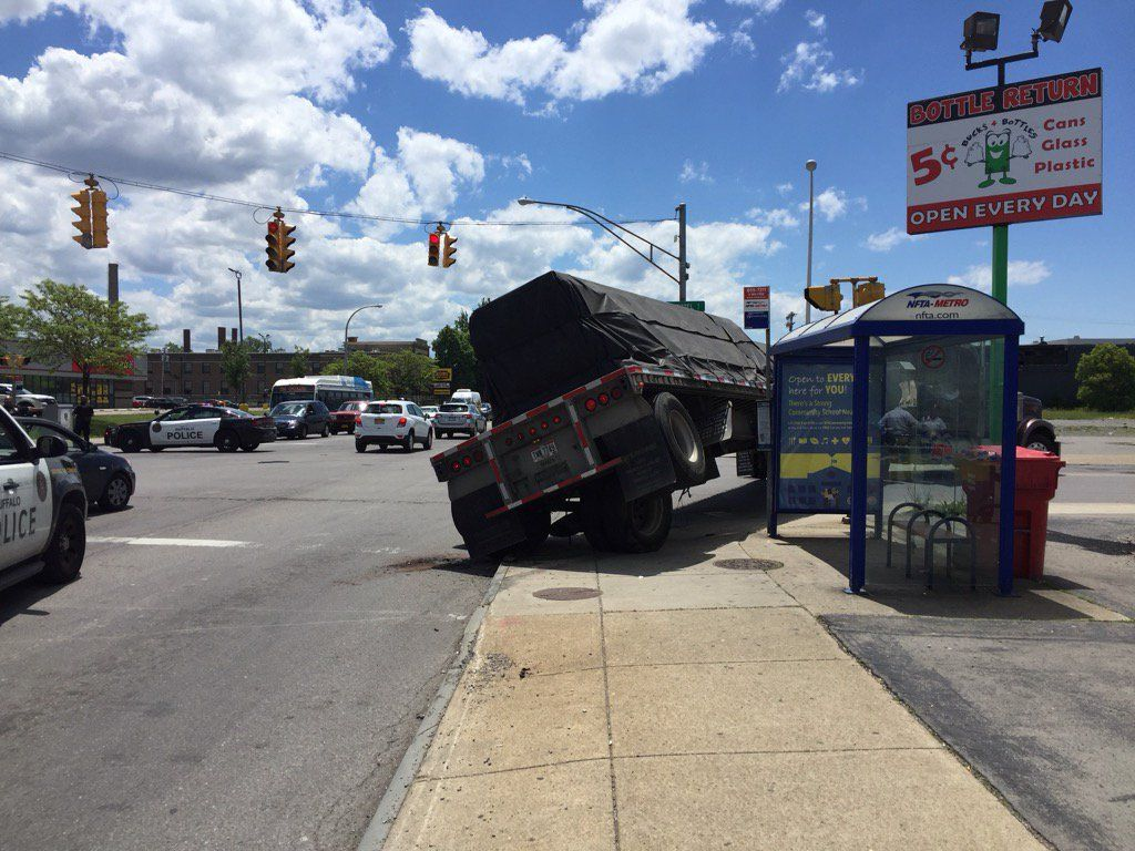 Broken down truck at Hertel and Elmwood causes traffic delays