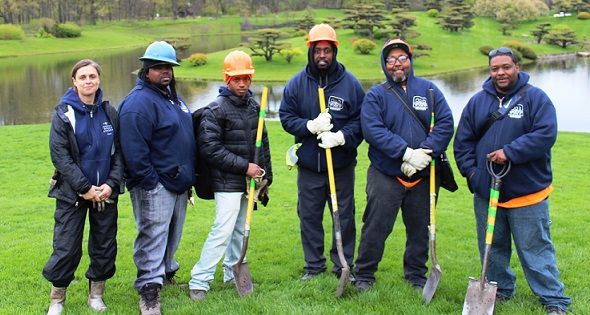 Greencorps Chicago Provides Hands