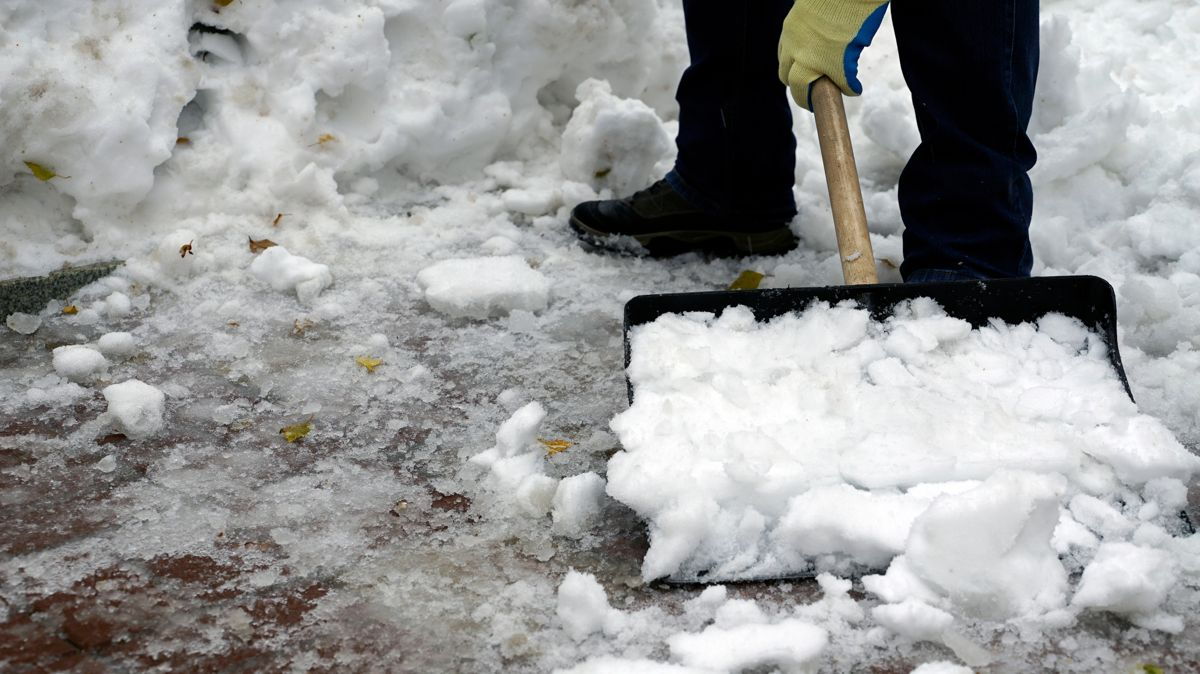 Snow Shoveling Safety: What You Need to Know