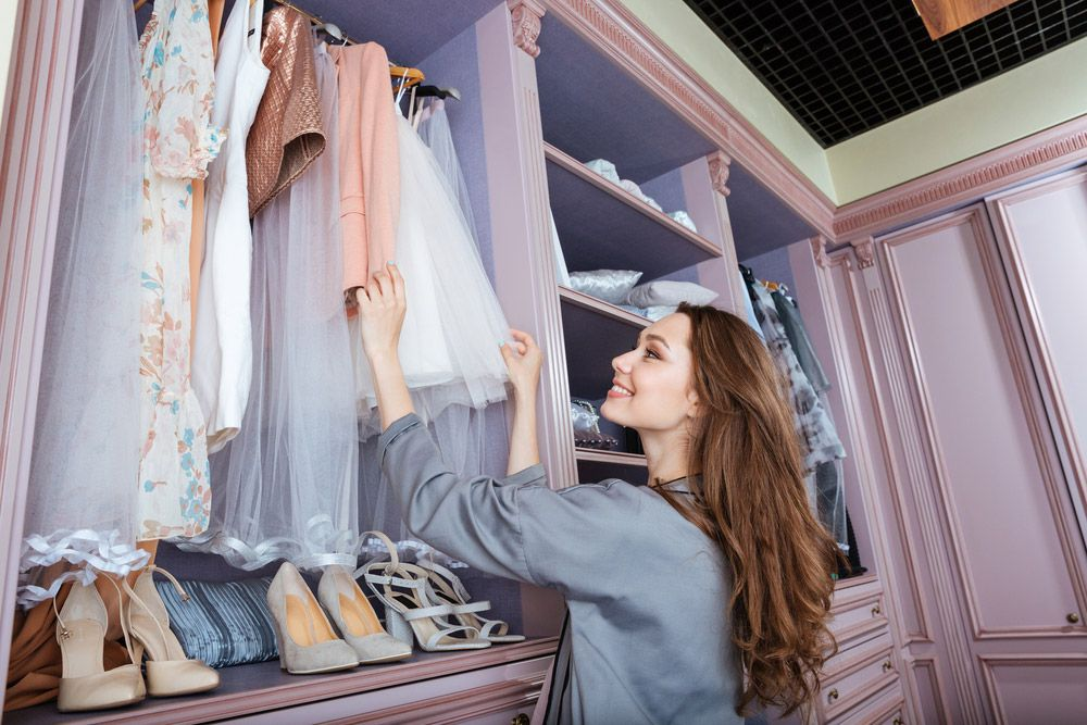 How to Turn a Spare Room into Your Dream Closet & Dressing Room!