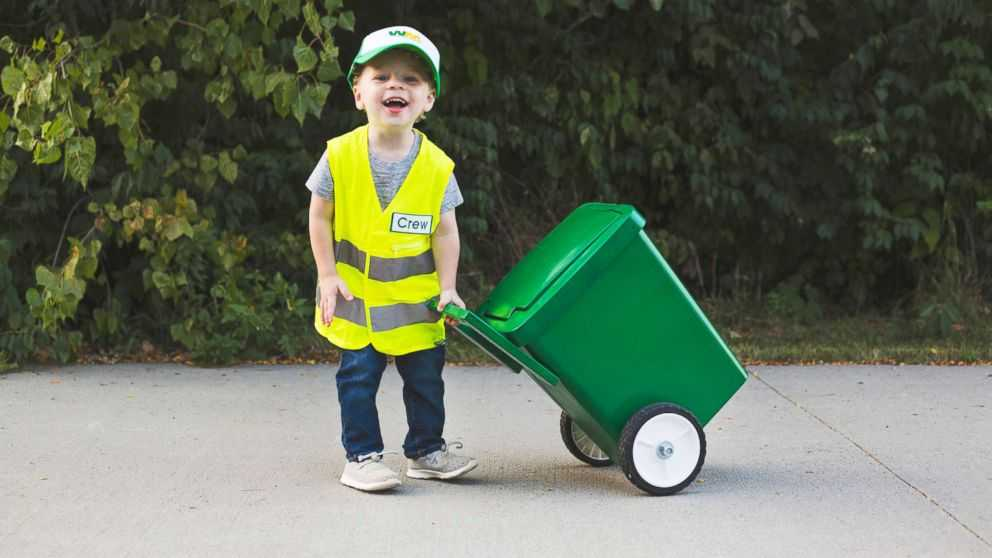 old idolizes city garbage men: 'He really makes my day'