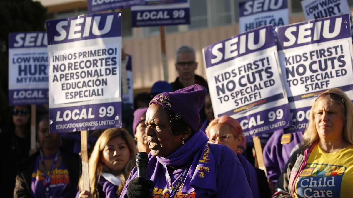 Deal with workers averts one-day strike that could have shut down L.A. schools