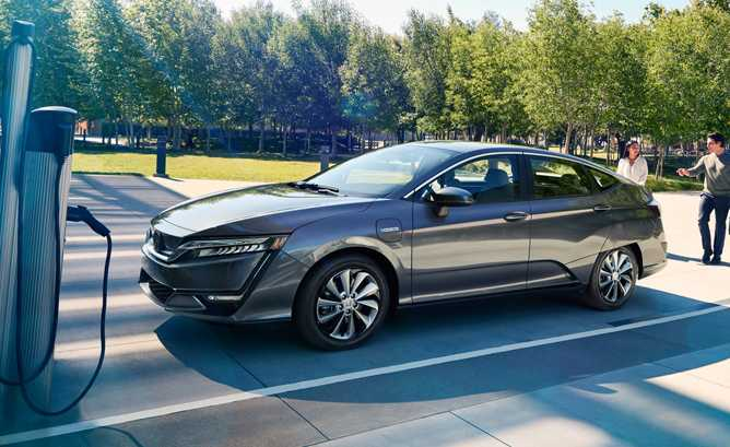 2018 Honda Clarity Electric has a Very Attractive Lease Price