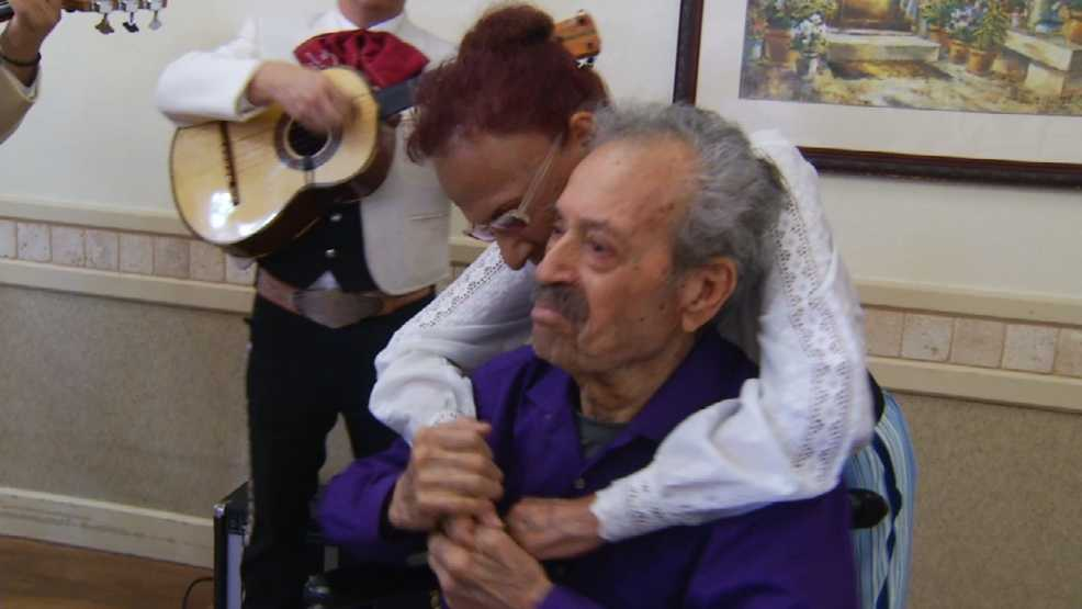 "El Paso man becomes mariachi singer one more time as ""Senior Wish"""