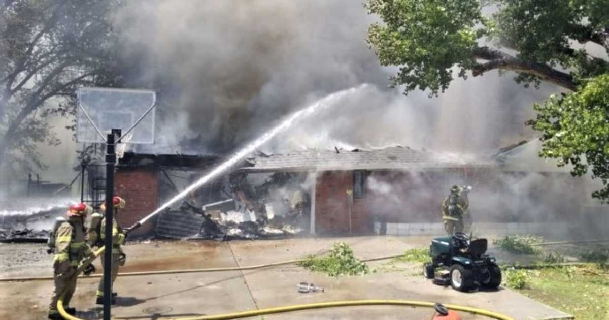 Firefighters battle large house fire in El Paso Country Club area