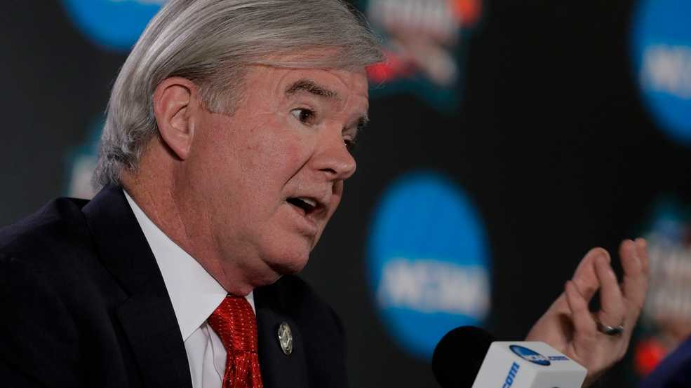 NCAA eases rules on athlete transfers
