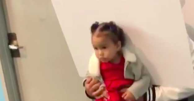 Chrissy Teigen Shared Video Of Luna Getting Her Passport Photo Taken And It Is Iconic