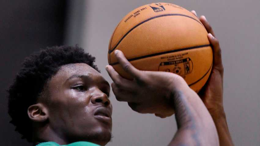 Morning sports update: How the Celtics plan to utilize Robert Williams, explained by Austin Ainge