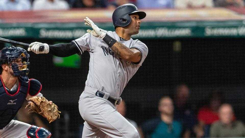 Aaron Hicks' big hit helps Yanks beat Indians