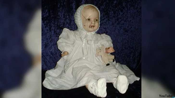 Video: 5 Tales of Haunted Dolls