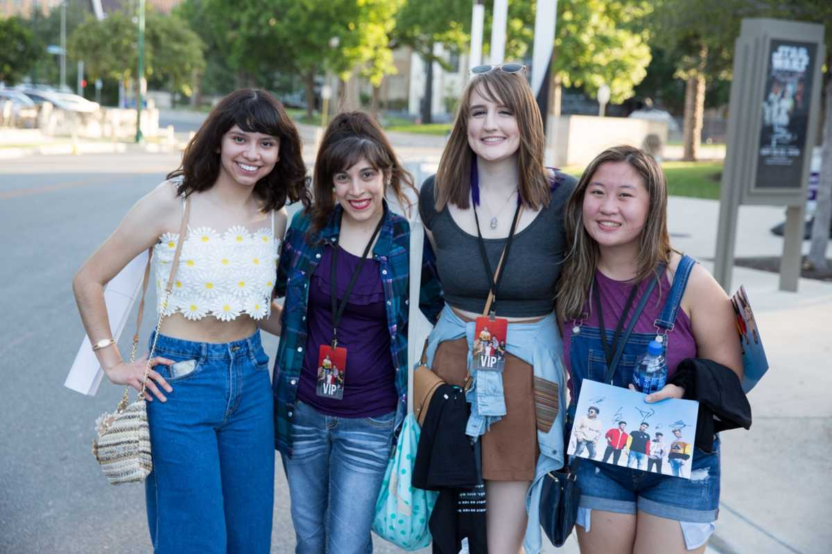American Idol finalists meet San Antonio fans, rock Tobin Center