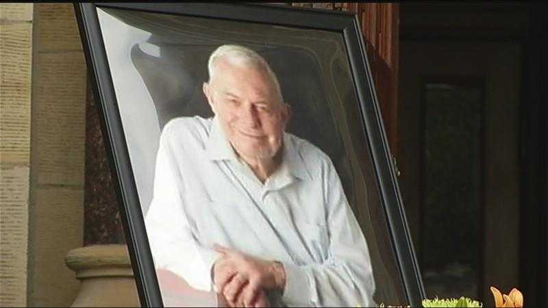 Rochester church says goodbyes to famed priest