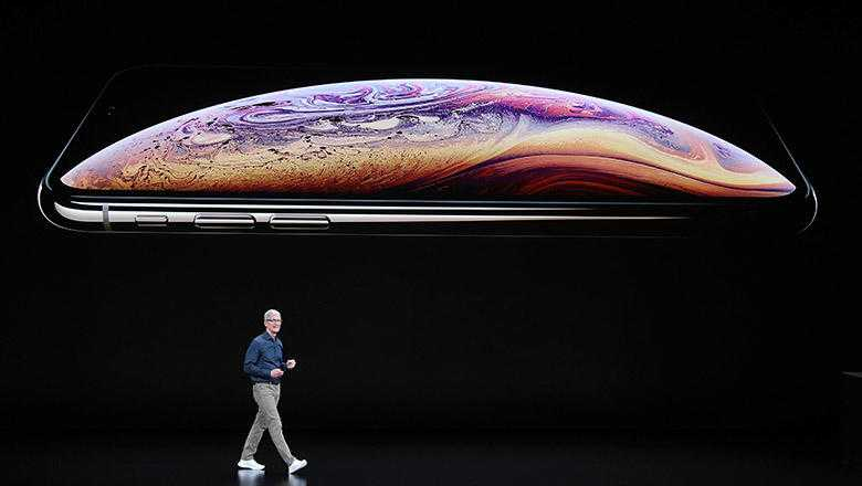 Apple Unveils Largest iPhone Ever