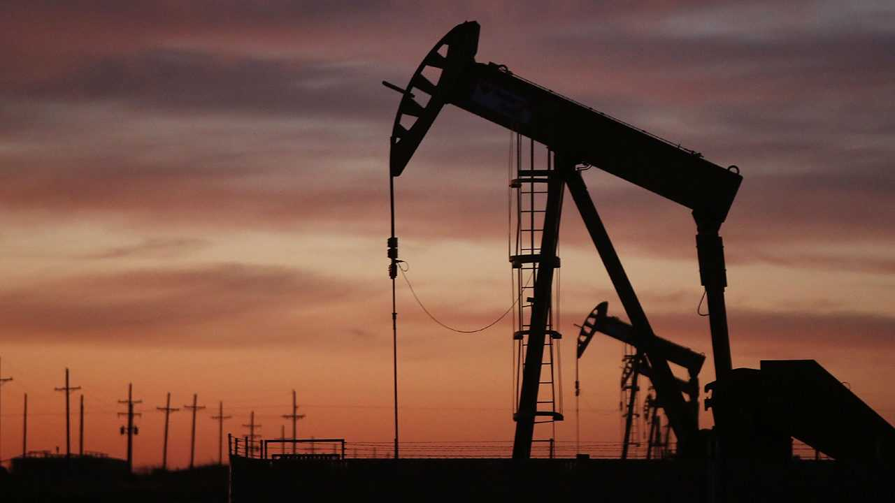 Feds: US 'likely' has taken over as the world's top oil producer