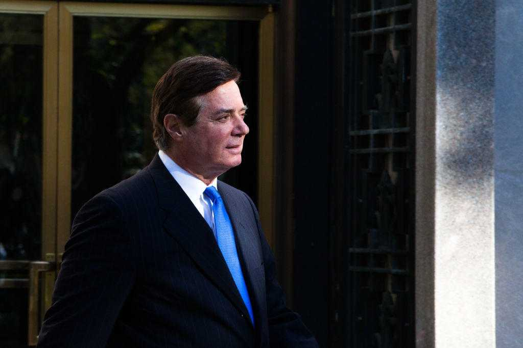 Paul Manafort Agrees To Cooperate In Plea Deal With Robert Mueller