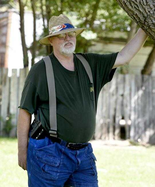 Longmont mayor didn't read gun rights decree to maintain 'cohesiveness'