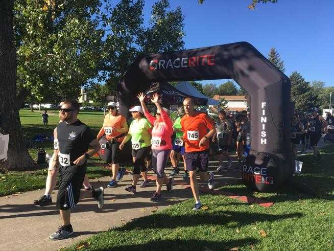 Runners rally against domestic violence in Longmont 5K run