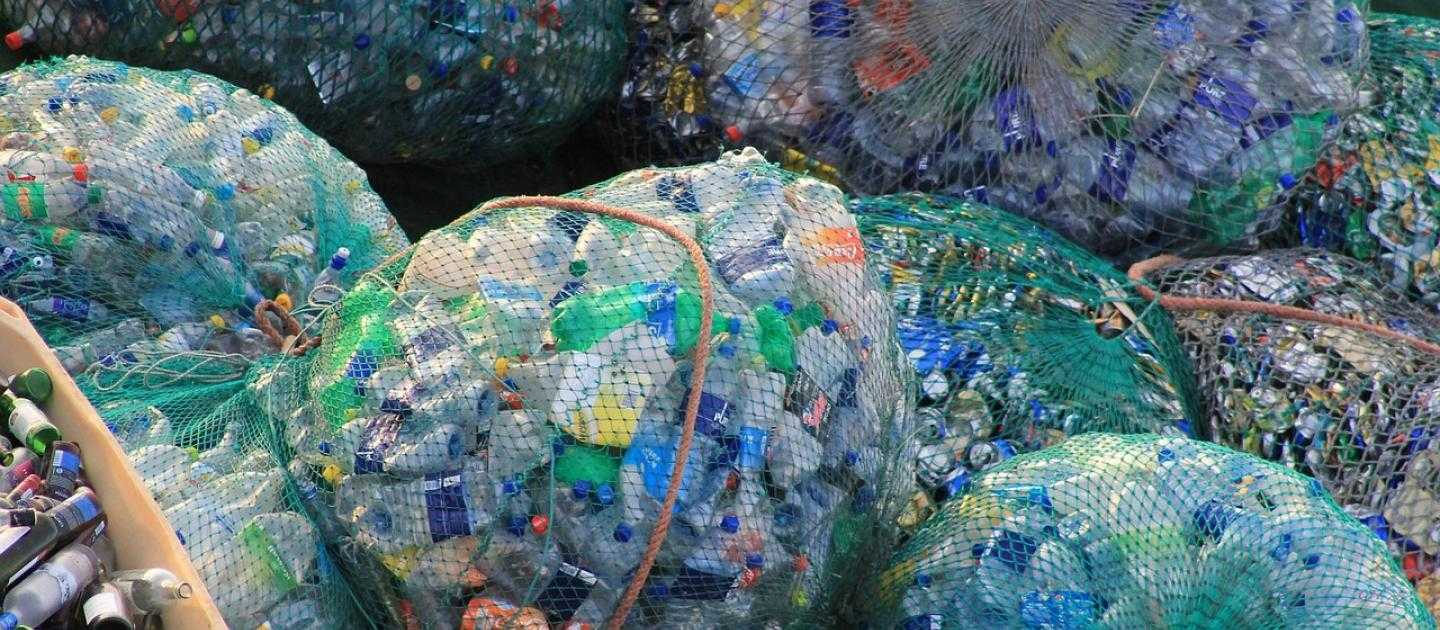 Microplastic and nanoplastic pollution threatens our enviroment. How should we respond?