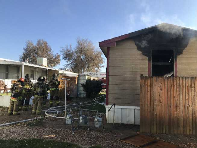 One person dies in fire at Longmont mobile home