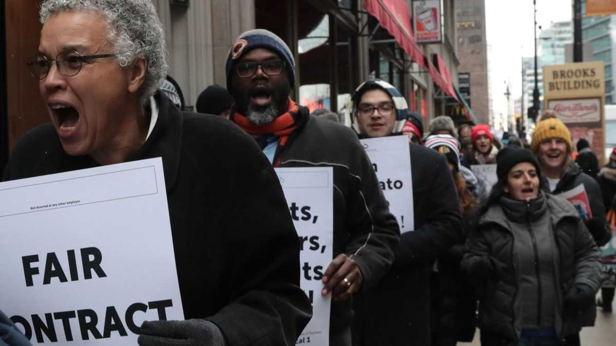 Chicago Teachers Union votes to back Toni Preckwinkle in mayor's race
