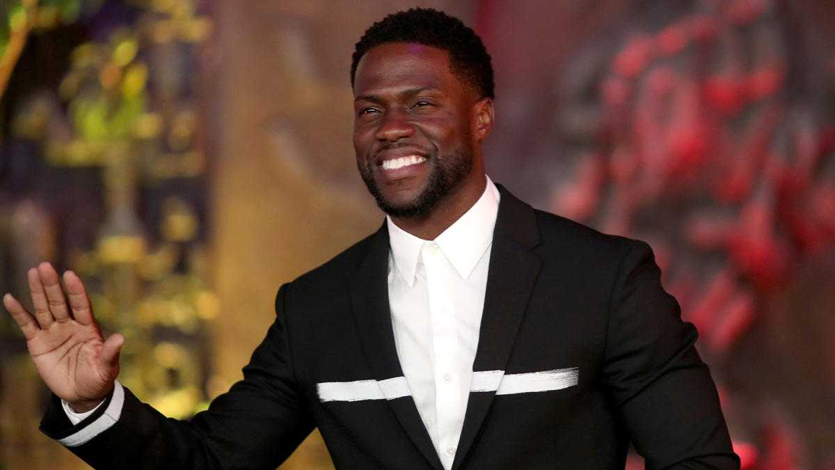 Responding to Homophobic Tweets, Kevin Hart Draws More Ire
