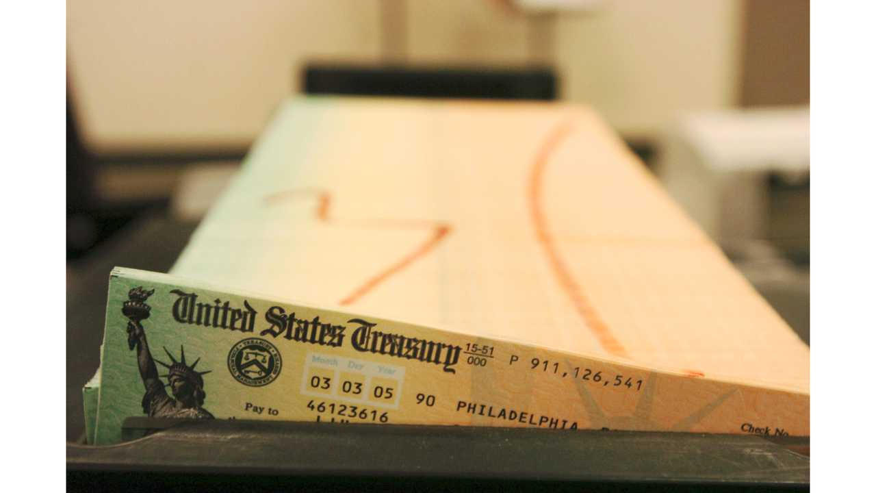 Uptick in Social Security checks for 2019 as inflation rises
