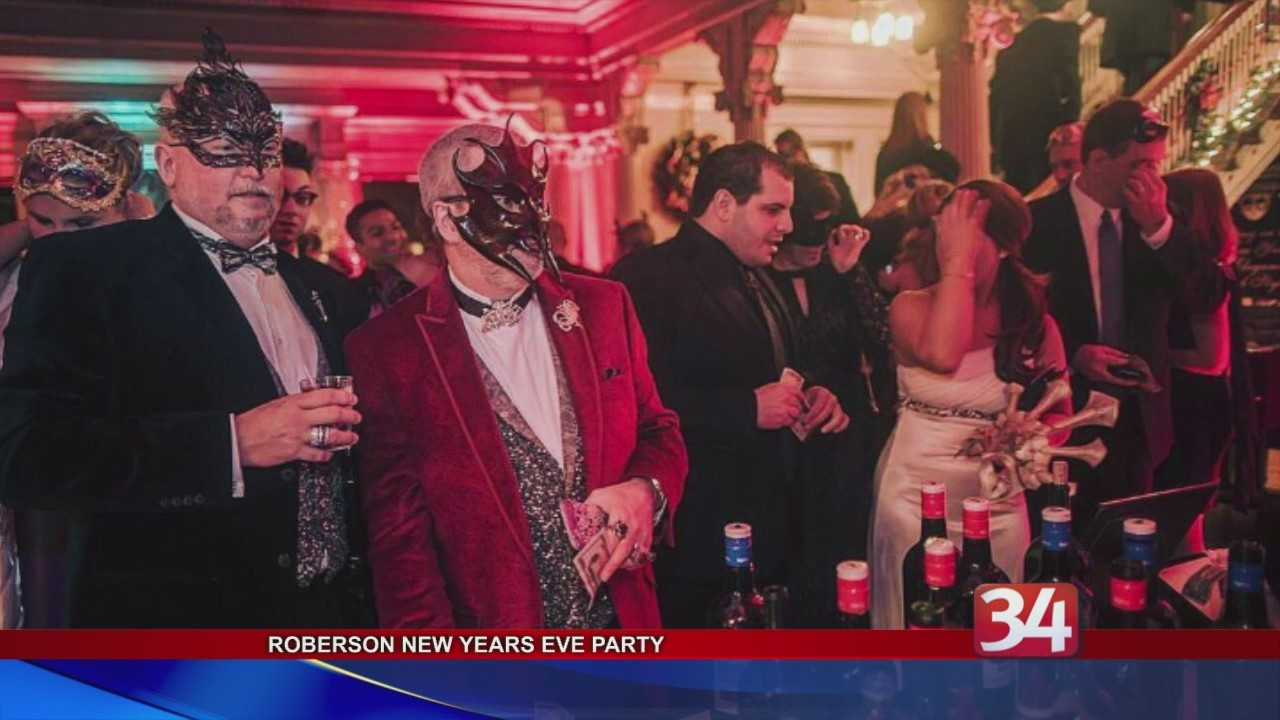 Roberson holds final Masquerade in the Mansion