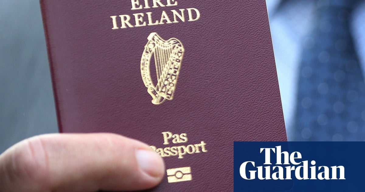 Record number of Britons seek Irish passports before Brexit