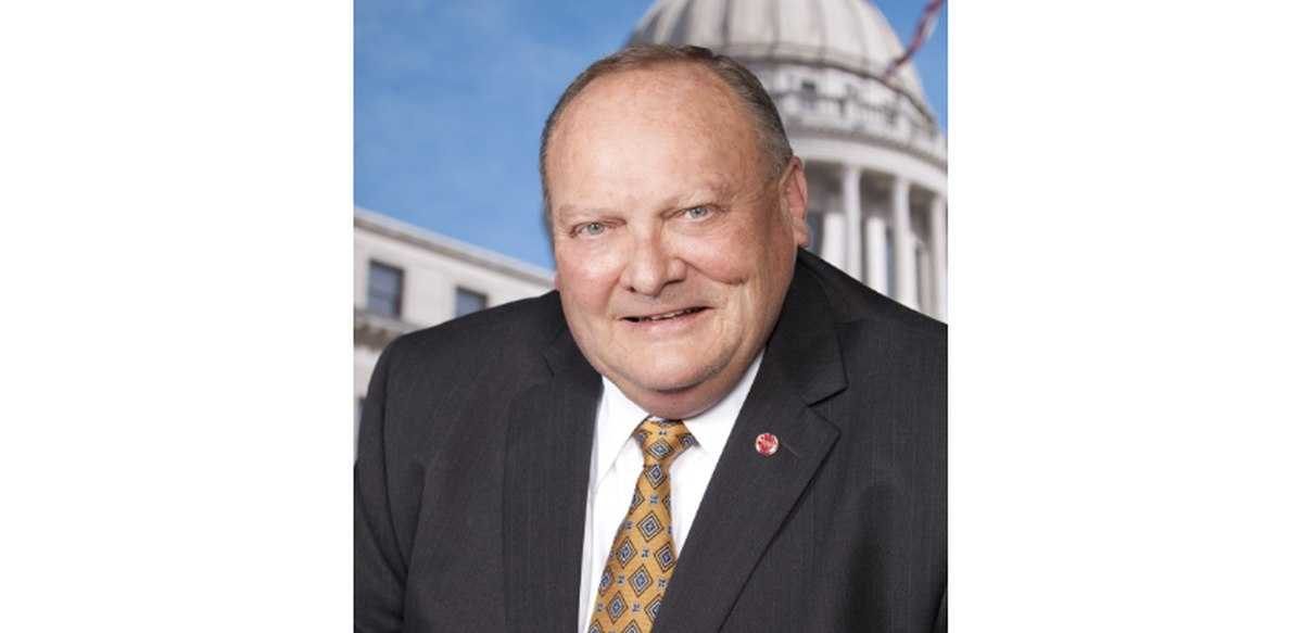 Terry Burton resigns as Senate pro tempore, apologizes for recent DUI
