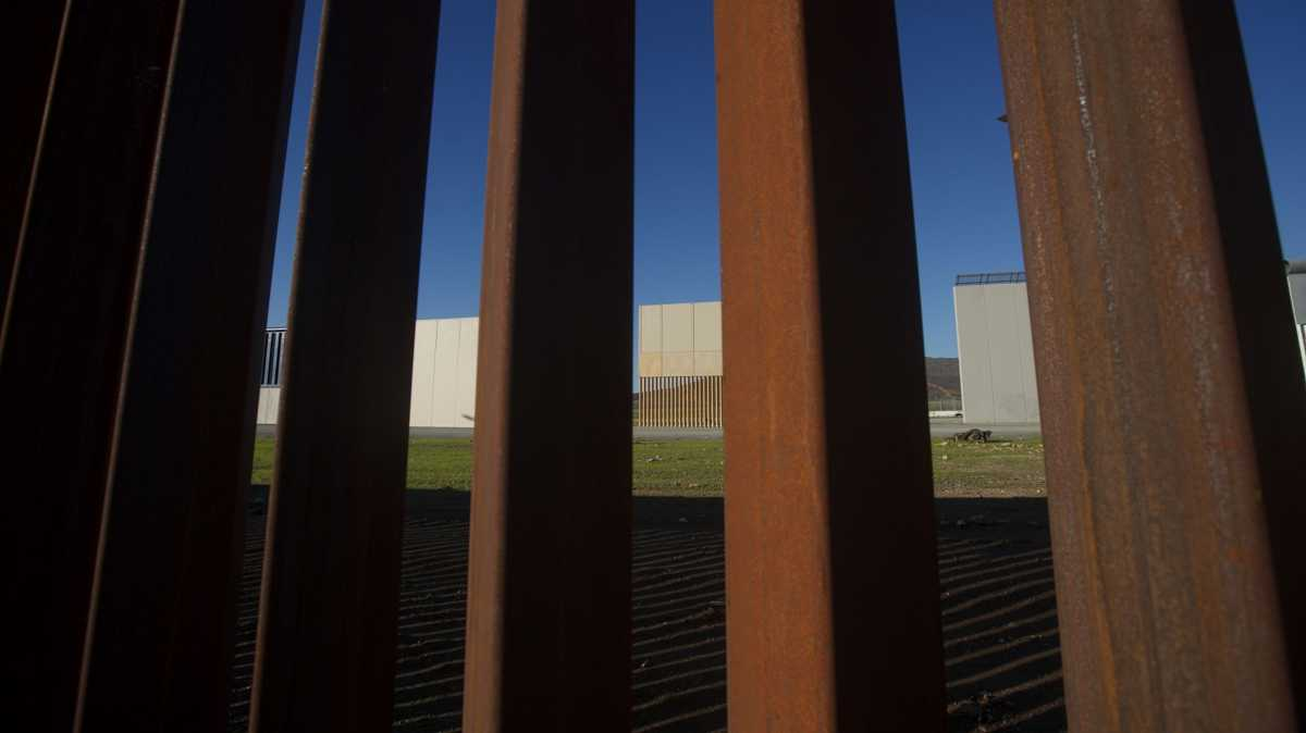 Steel slat wall prototype sawed through in DHS test, report says