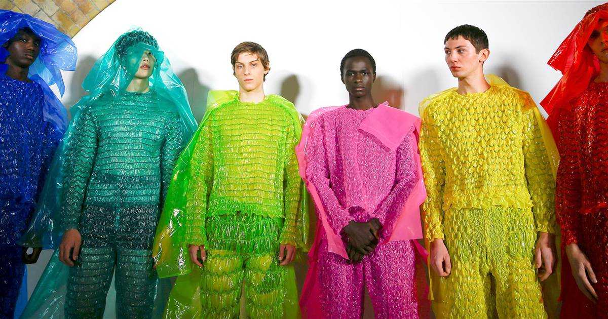 Bubble Wrap clothing? See the trend that has everyone talking