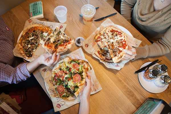 MOD Pizza will open their first Orlando location this month, and they're giving away free pizza