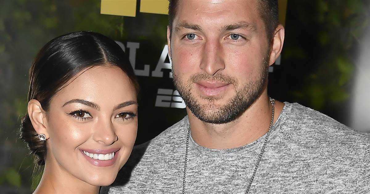 Tim Tebow is engaged to the 2017 Miss Universe: 'Thank you for saying YES'