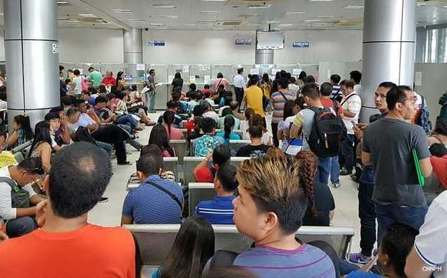 Palace on passport mess: Do not pass requirements burden to applicants