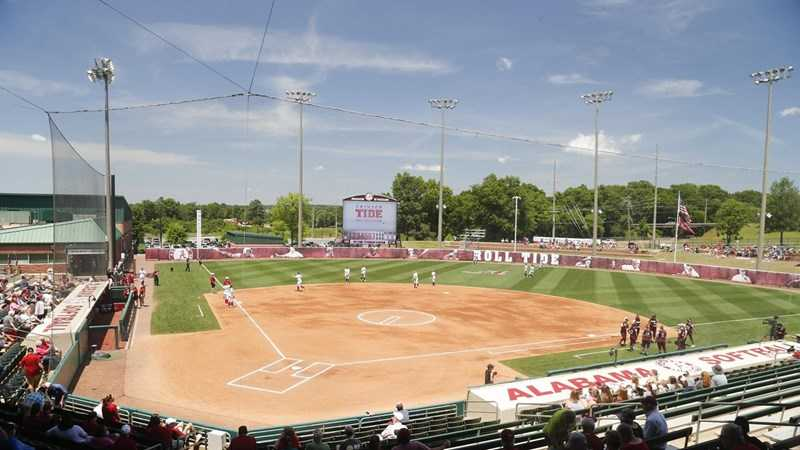 Alabama Softball Climbs in Week One National Rankings