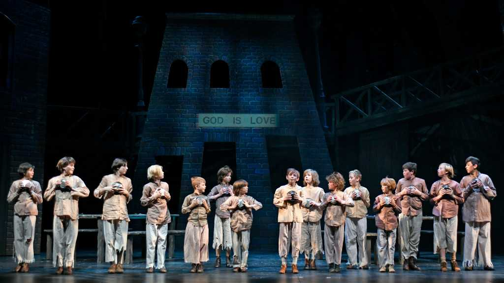 Theater review: Musical Theatre West stages 'Oliver!', and we couldn't ask for more