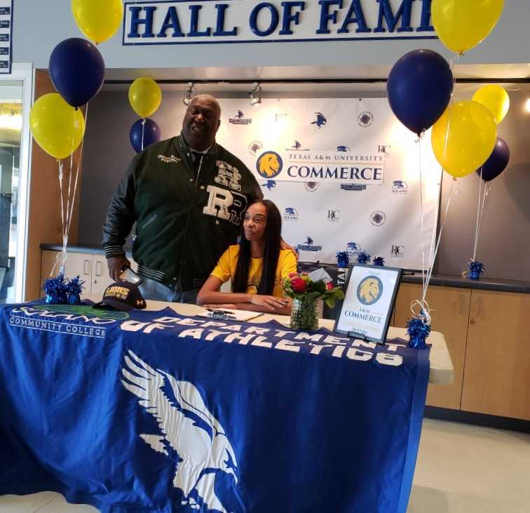 Solano volleyball star Destiny Greenwood earns full-ride to Texas A&M University Commerce