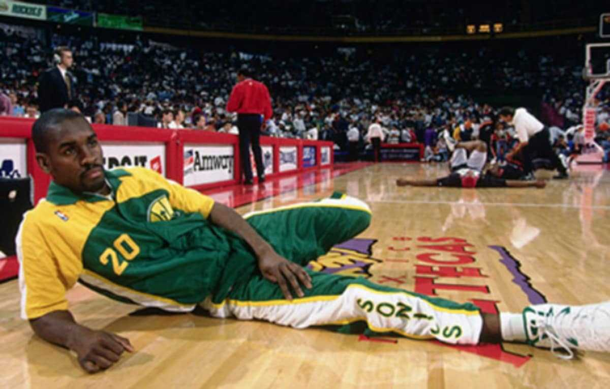 Gary Payton's Greatest Sneaker Moments