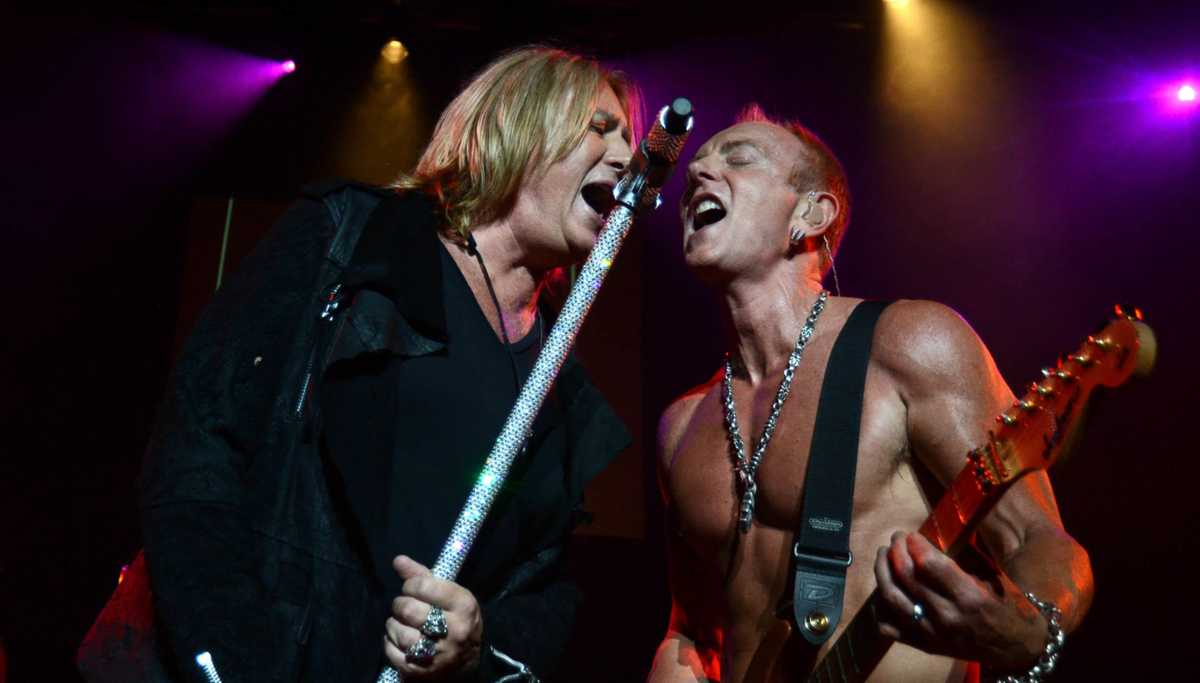 Phil Collen Explains How Def Leppard Uses Backing Tracks In Concert