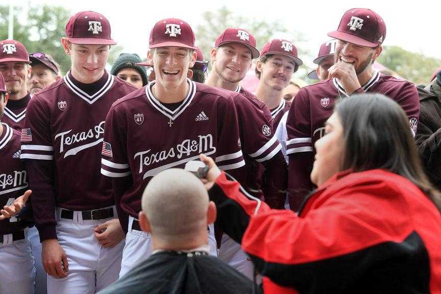 Aggie baseball players shave heads for cancer research