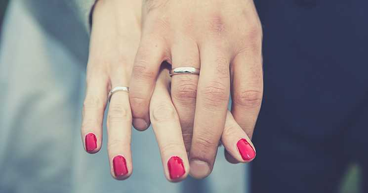 4 Ways to Put Your Marriage on the Right Financial Track