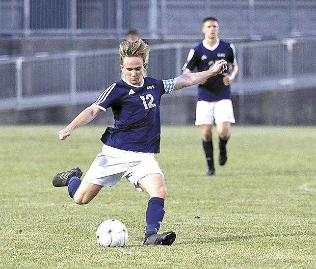 Wildcats advance, Lady Cats fall in soccer playoffs