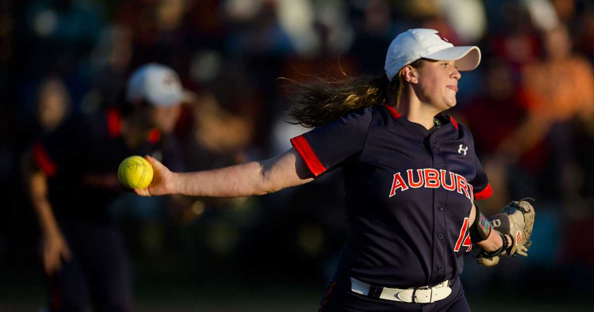 SEC softball: Tennessee Lady Vols upset by Auburn in quarterfinals, 2-0