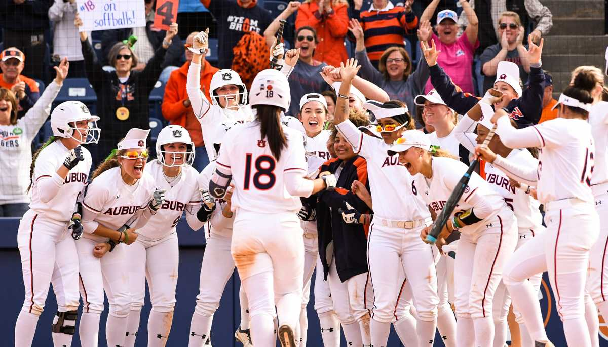 Auburn softball earns spot in NCAA Tournament Regional hosted by No. 6-seed Arizona